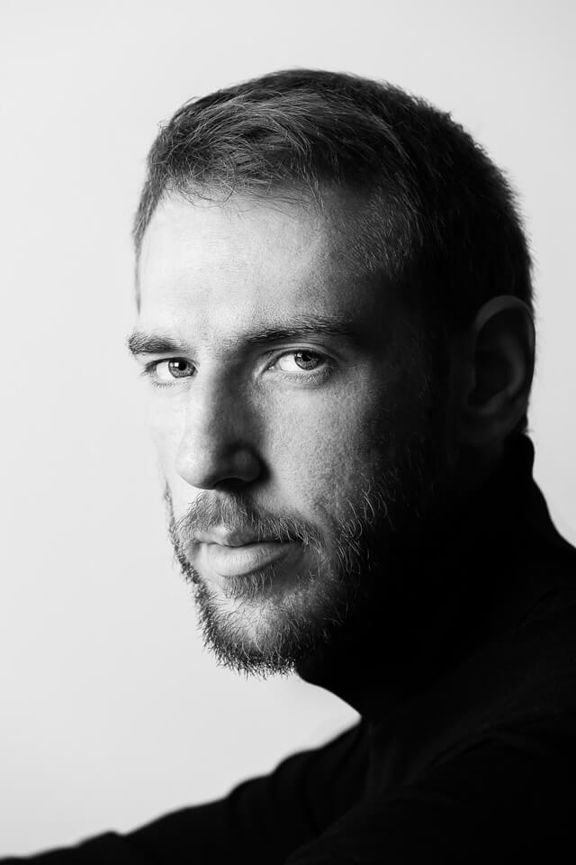 Vasilis_Kekatos_by_portrait_photographer_athens_greece_advertising_commercial_headshot_Dimitris_Vlaikos